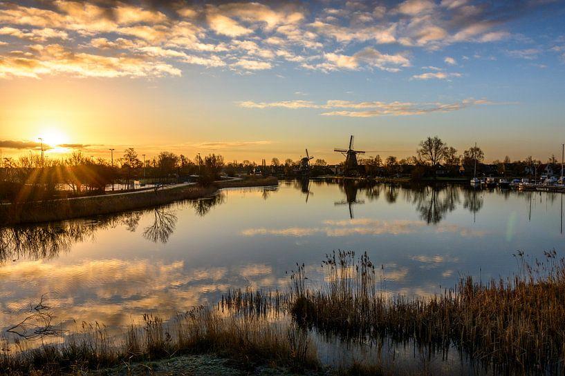 Molens aan de Vecht - Weesp - zonsopkomst februari 2015 van Joris van Kesteren