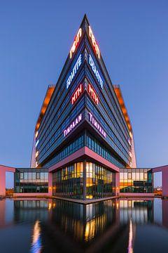Moderne Architektur in Assen, Niederlande von Henk Meijer Photography