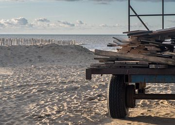 Bouwen voor het strandseizoen van Paul Algra