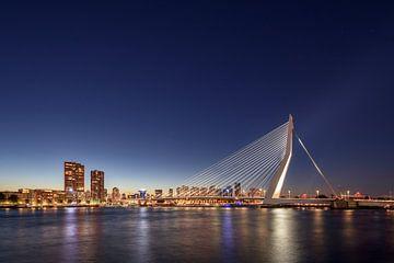 De skyline van Rotterdam van Michael Valjak