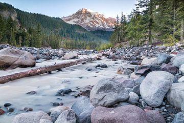Mount Rainier, Zonsopkomst van M. Cornu