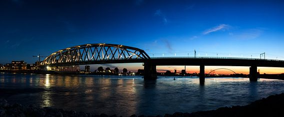 Nijmegen per spoor van Lex Schulte