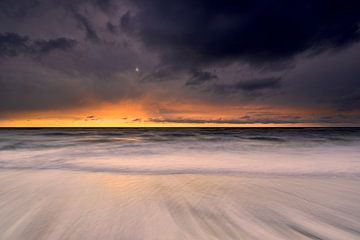 Strijd van vuur, aarde, lucht en water aan de Noordzeekust van Jenco van Zalk