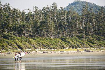 Surfen op Vancouver Island van Claudia Esveldt