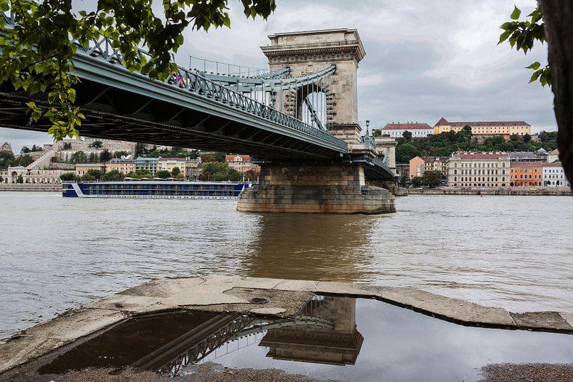 Pont en chaîne de Budapest sur Frank Herrmann