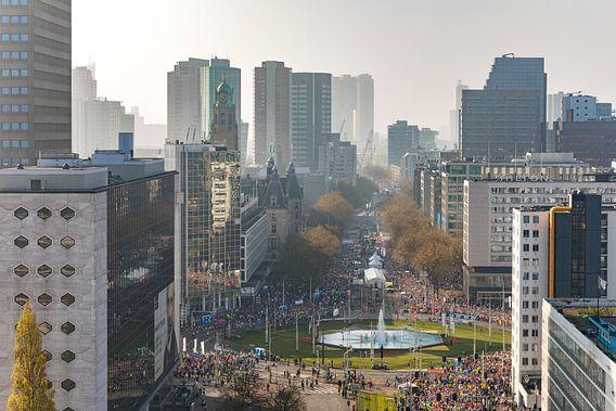 De start van de Marathon op de Coolsingel in Rotterdam