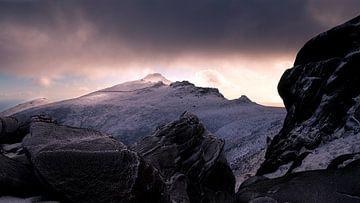 Zonsondergang op Slieve Binnian van