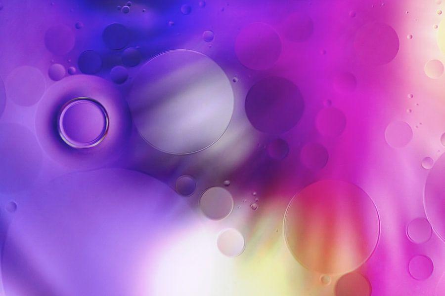 Bubbles van Ruud van Oeffelen-Brosens