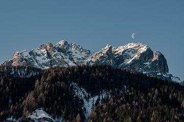 Der Mond und die Dolomiten von Hidde Hageman