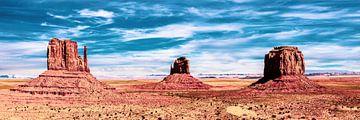 Panorama landschap monument Valley in Arizona USA van Dieter Walther