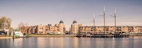 Een panorama van Havenkom van Almere