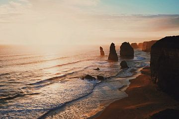 Zonsondergang bij de Twelve Apostles van Dyon Klaassen