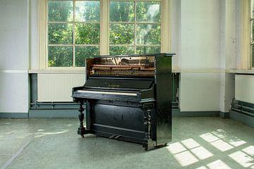 oude piano van Dick Carlier