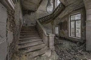Trappenhal in vervallen ruïne