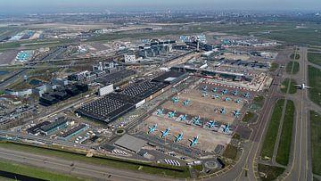 Luftaufnahme von Schiphol während der Corona-Krise von aerovista luchtfotografie
