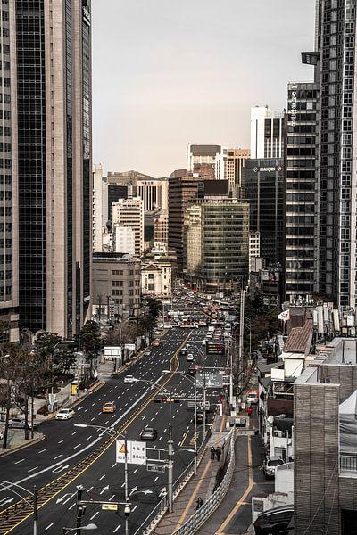 Stadszicht op de hoogbouw in Seoul van Mickéle Godderis