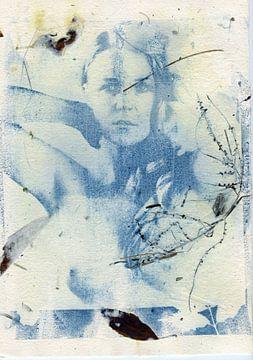 Cyanotypie Lisanne I op handgeschept papier