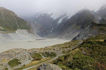 Tasman Glacier in Nieuw-Zeeland van Eline Lohman