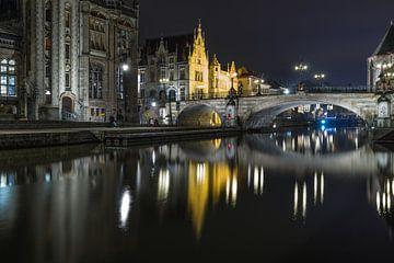 De reflectie van de Sint Michielsbrug in de Leie in Gent van MS Fotografie | Marc van der Stelt