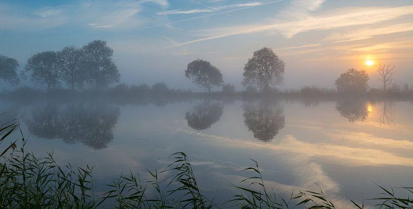 Oktober aan de Amstel van Peter Leenen