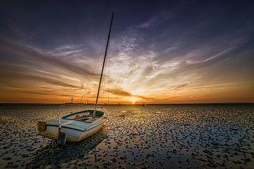 Boot auf dem Festland von Dennis Donders