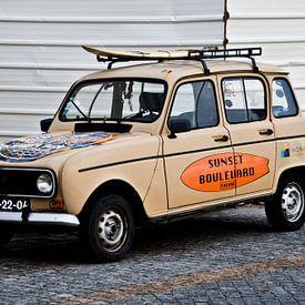 Renault 4 met surfboard van Marieke van der Hoek-Vijfvinkel