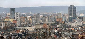 Luik skyline met de Maas von Dennis van de Water