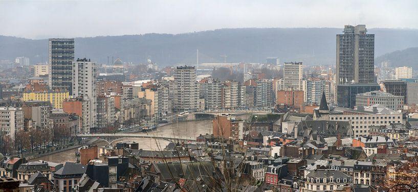 Luik skyline met de Maas van Dennis van de Water