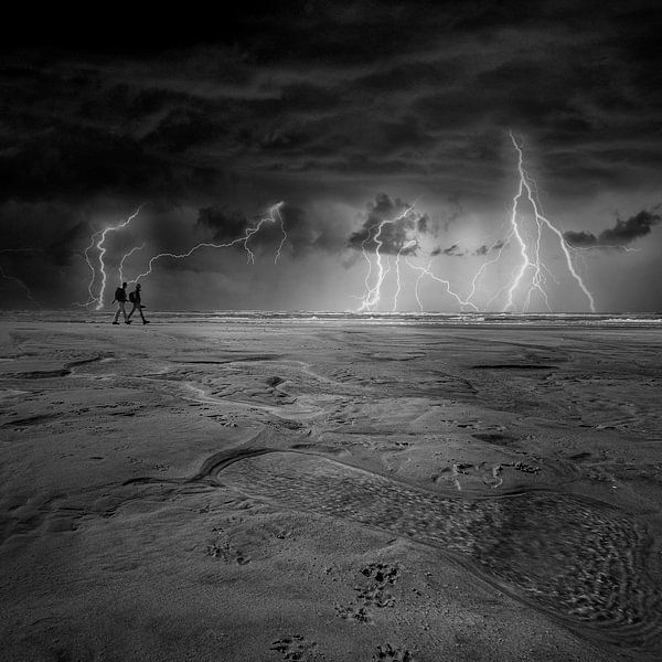 Thunderstorm at Petten Beach van Martin van Lochem