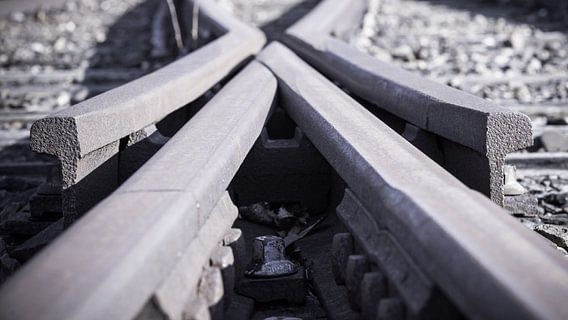 Verlaten oude treinrails wisselspoor