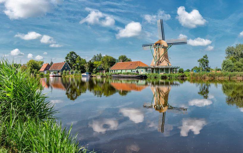 Molen De Pauw aan de Nauernasche Vaart, Nauerna, Noord-Holland, Nederland van Rene van der Meer