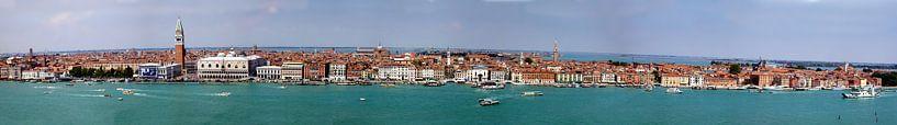 Panorama der italienischen Stadt Venedig von Atelier Liesjes