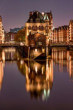 Wasserschloss in der Speicherstadt Hamburg von Jenco van Zalk
