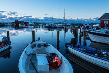 Blick auf den Hafen von Klintholm Havn in Dänemark von Rico Ködder