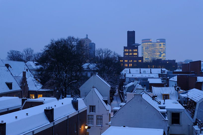 De Inktpot en de Rabotoren in Utrecht in de winter van Donker Utrecht