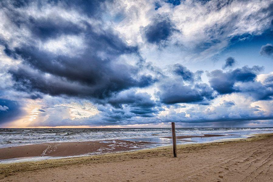 April Storm  van Alex Hiemstra
