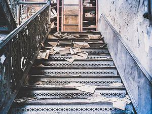 Treppenhaus zu einem Archivschrank