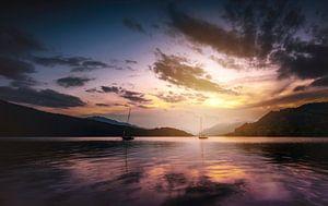 Bootjes in het bergmeer van