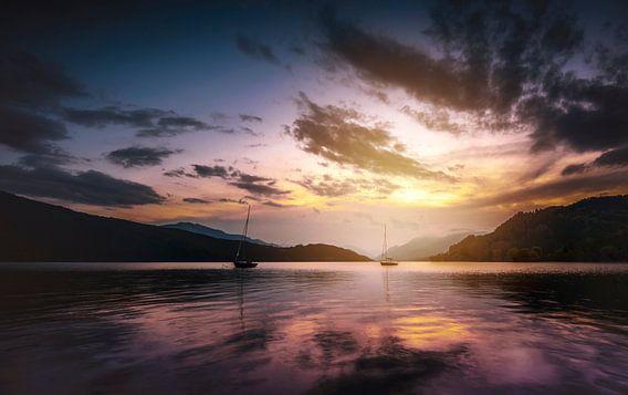 Bootjes in het bergmeer van Joost Lagerweij