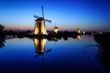 Moulins de Kinderdijk pendant l'heure bleue sur iPics Photography