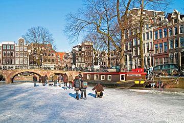 Winterpret op de grachten in Amsterdam van Nisangha Masselink
