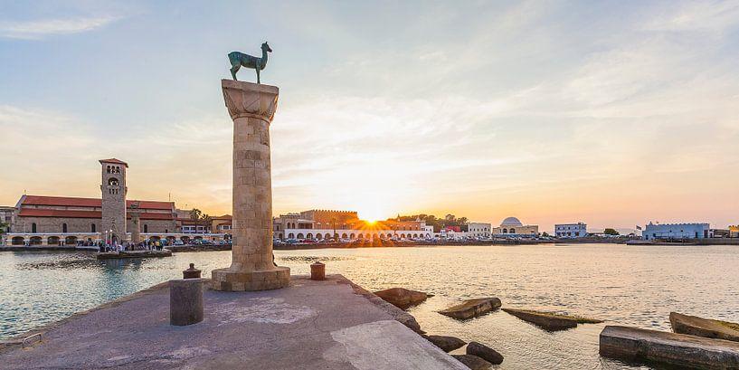 Port de Mandraki sur Rhodes sur Werner Dieterich
