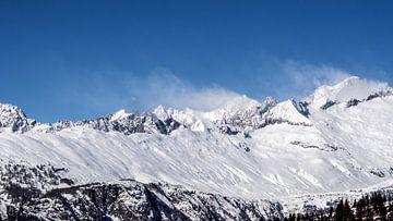 Besneeuwde bergen van