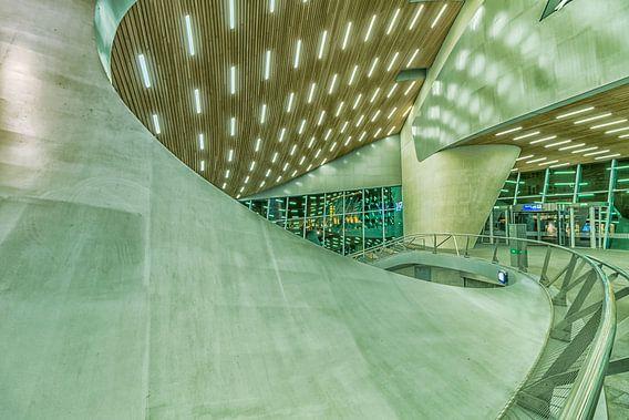 Futuristisch treinstation van Rene Siebring