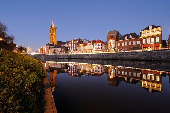Roerkade in Roermond met de Sint-Christoffelkathedraal van Merijn van der Vliet