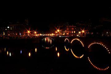 Keizersgracht - Leidsegracht in Amsterdam bei Nacht von Nisangha Masselink