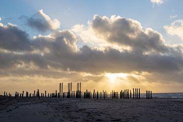 Zonsondergang aan zee (1) van Rob vlierd van de