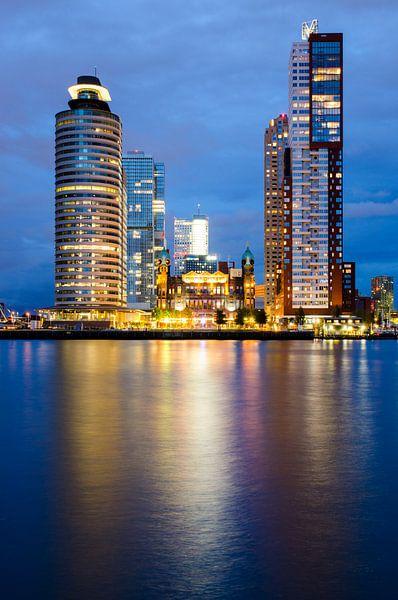 Blue hour-night Wilhelminapier Rotterdam van Maurice Verschuur