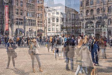Beweging op de Dam in Amsterdam van Dennisart Fotografie
