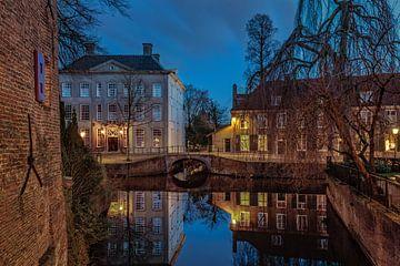 Het huis met de Paarse ramen in Amersfoort van Dennisart Fotografie